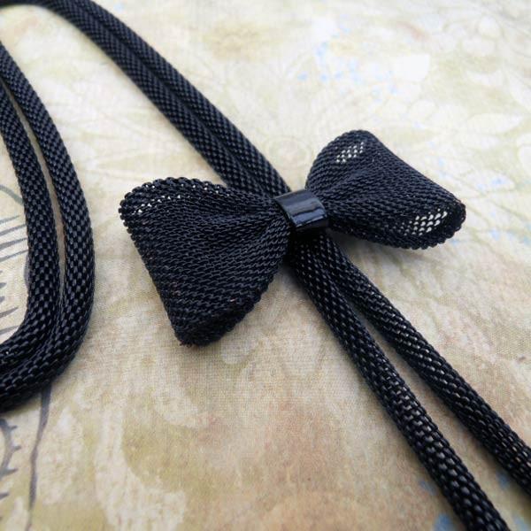 Bijoux noeud: Sautoir Noeud Papillon. Un Cadeau original pour femme